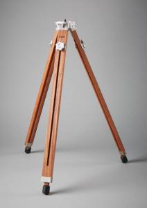 Gifyyy tripod photo booth entrepreneur startup manufacturing design engineering machining wood CNC
